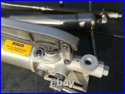 Ametek R100 Hydraulic Power Hand Pump 10,000 PSI With 14 Ram