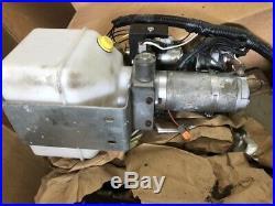 RV Lippert Jack Hydraulic Power Leveling System Unit Pump 414850 Nice Shape